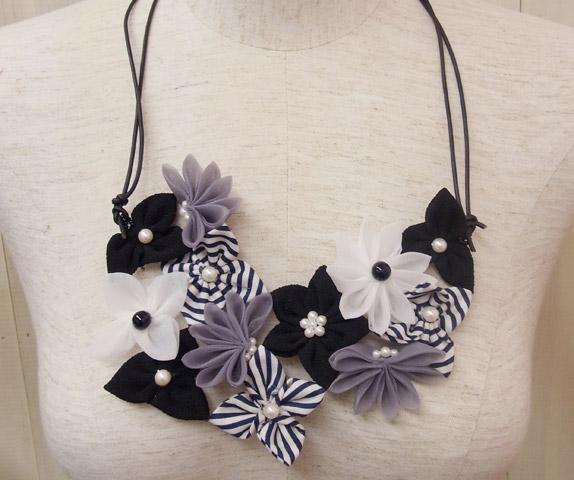 つまみ細工プレートで作る お花とパールのネックレス